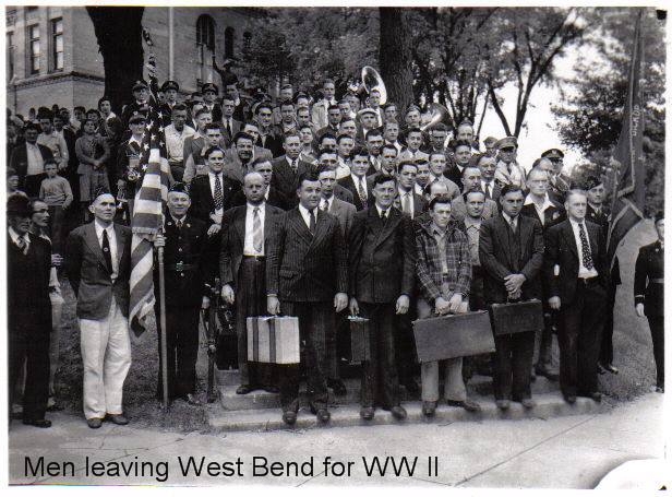 Men leaving WWII Ann Neumann (2)